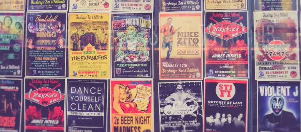 kolorowe plakaty